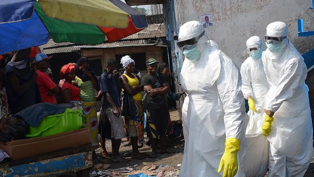 Por que o Ebola continua voltando? Congo vive novo surto